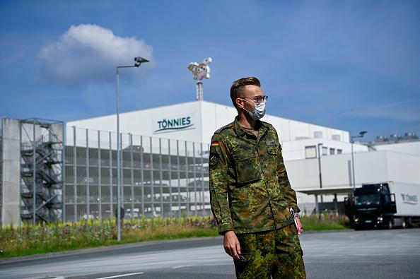 Germany「Guetersloh Region Shuts Schools As Coronavirus Outbreak Worsens, 7,000 People In Quarantine」:写真・画像(7)[壁紙.com]