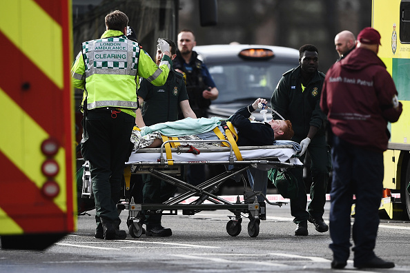 Westminster Bridge「Firearms Incident Takes Place Outside Parliament」:写真・画像(5)[壁紙.com]