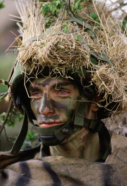 Hiding「Soldier, Sir John Moore Barracks, UK」:写真・画像(14)[壁紙.com]