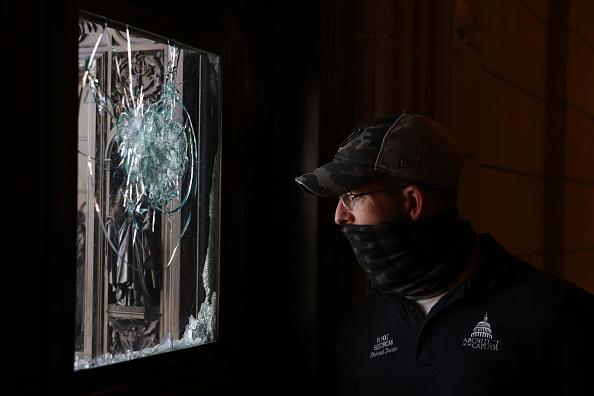 Damaged「Washington DC Tense After U.S. Capitol Is Stormed By Protestors」:写真・画像(2)[壁紙.com]