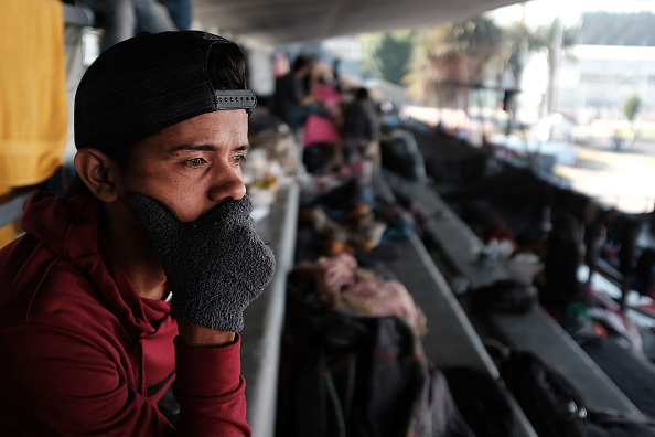 Refugee「Exhausted Migrant Caravan Arrives In Mexico City For Rest」:写真・画像(0)[壁紙.com]
