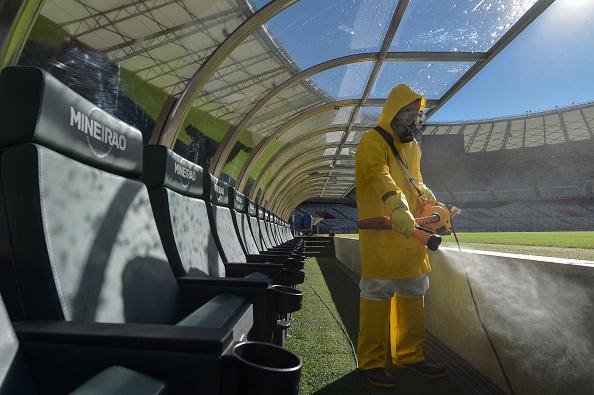 Stadium「Mineirao Stadium Disinfection Prior to the Sunday Soccer Match Amidst the Coronavirus (COVID-19) Pandemic」:写真・画像(5)[壁紙.com]