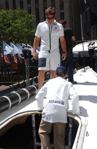 Tourboat「BMW Oracle Racing At Rockefeller Center」:写真・画像(15)[壁紙.com]