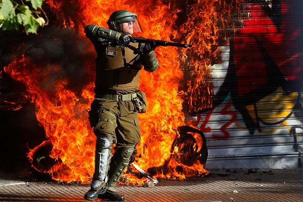Bestpix「National Strike And Protests Against President Piñera」:写真・画像(12)[壁紙.com]