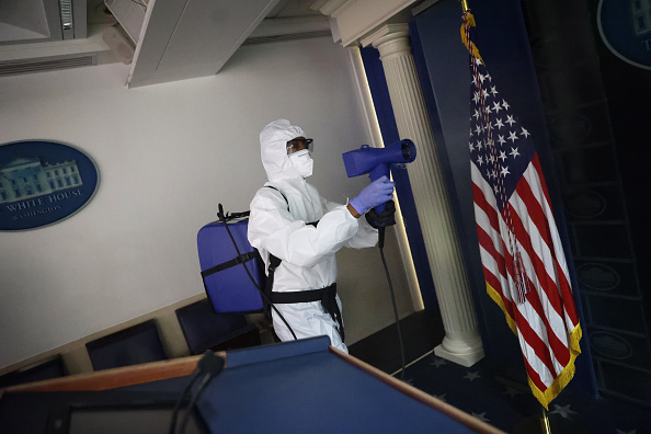 White House - Washington DC「White House Staff Sanitize Press Area After Coronavirus Outbreak」:写真・画像(9)[壁紙.com]