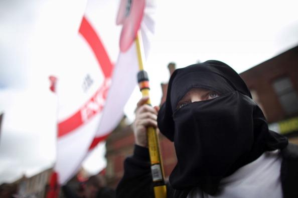 Burka「The English Defence League March In Blackburn」:写真・画像(18)[壁紙.com]
