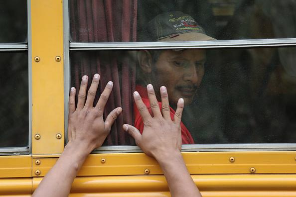 Refugee「Migrant Caravan Pushes Through Guatemala Towards Mexico」:写真・画像(9)[壁紙.com]