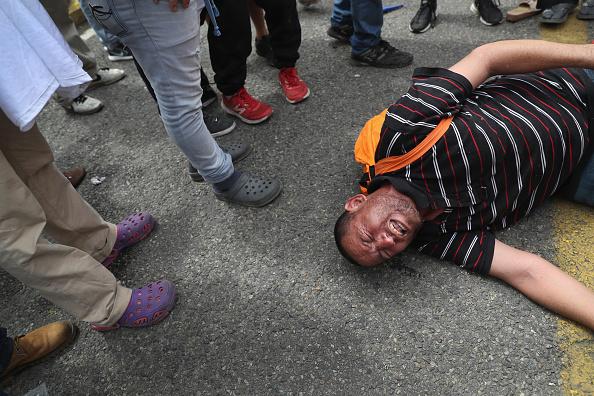 ヒューマンインタレスト「Migrant Caravan Crosses Into Mexico From Guatemala」:写真・画像(14)[壁紙.com]