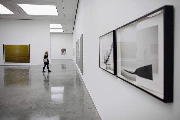Art Museum「Staff Prepare For The Opening Of The New White Cube Bermondsey Gallery」:写真・画像(4)[壁紙.com]