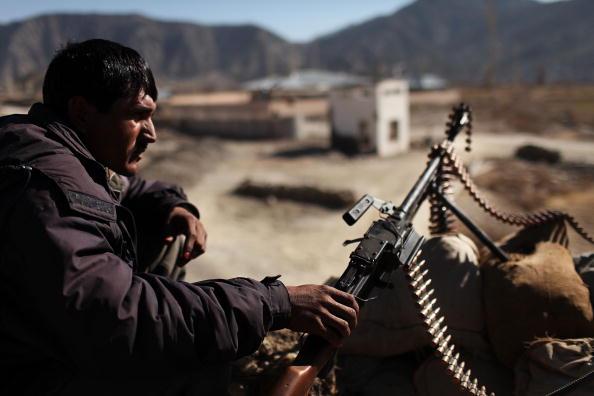 Taliban「US Army Works To Hold Back Taliban In Restive Zerak, Afghanistan」:写真・画像(7)[壁紙.com]