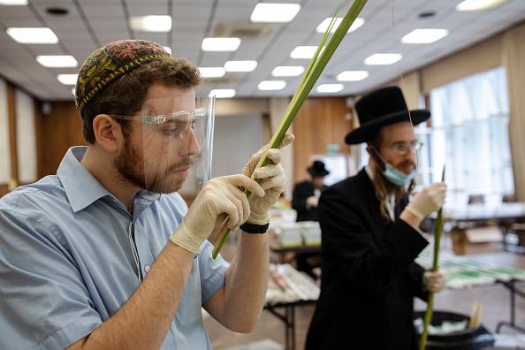Frond「London's Jewish Community Prepare For Yom Kippur」:写真・画像(19)[壁紙.com]