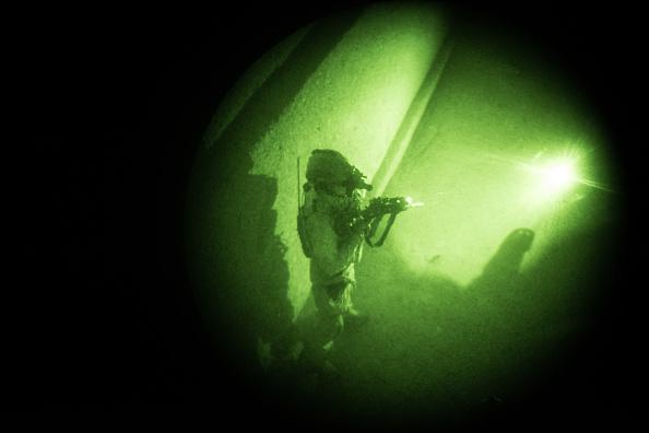 夜景「United States Continues Role in Afghanistan as Troop Numbers Increase」:写真・画像(2)[壁紙.com]