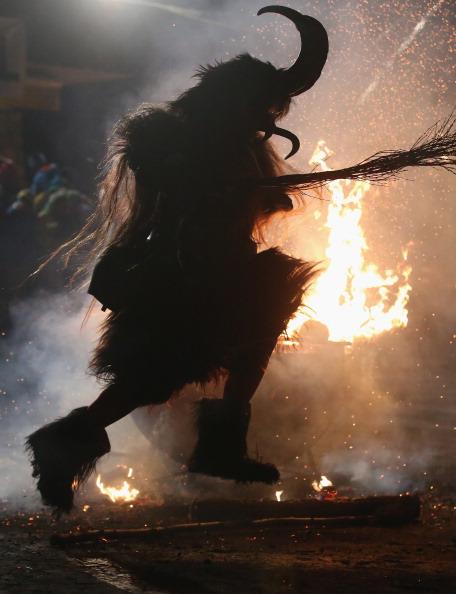 Austria「Krampus Creatures Parade In Search Of Bad Children」:写真・画像(9)[壁紙.com]