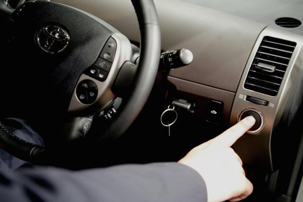 Car「New Toyota Prius Hybrid car」:写真・画像(10)[壁紙.com]