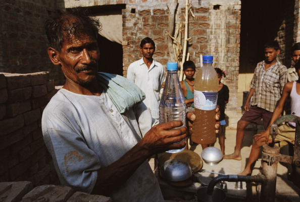 Water Pollution「Polluted Ganges」:写真・画像(2)[壁紙.com]