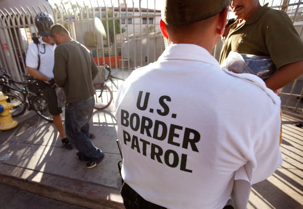 Arizona「Border Agents Struggle To Keep Immigrants From Illegally Crossing AZ Border」:写真・画像(17)[壁紙.com]