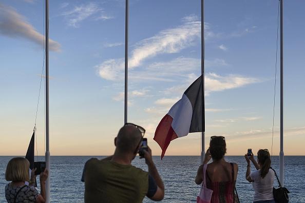 2016 Bastille Day Attack in Nice「Bastille Day Truck Attack Kills 84 In Nice」:写真・画像(4)[壁紙.com]