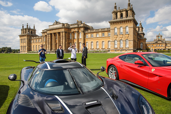 Luxury「Classic Cars Meet Hypercars And Supercars At Blenheim Palace」:写真・画像(10)[壁紙.com]