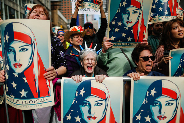 USA「Activists Gather In Times Square In Day Of Solidarity With American Muslims」:写真・画像(18)[壁紙.com]