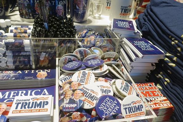 Magnet「Trump Merchandise On Sale」:写真・画像(12)[壁紙.com]