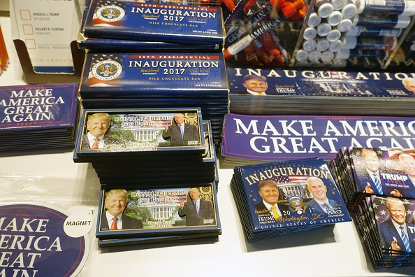 Magnet「Trump Merchandise On Sale」:写真・画像(10)[壁紙.com]