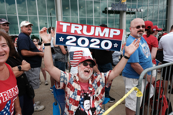 MAGA「Donald Trump Holds MAGA Campaign Rally In New Hampshire」:写真・画像(9)[壁紙.com]