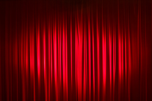 Theatrical Performance「Spotlight On Red Velvet Stage Curtains」:スマホ壁紙(15)