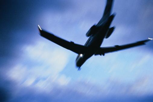 Passenger「McDonnell Douglas MD-80 passenger aircraft in flight at dusk」:スマホ壁紙(18)