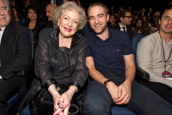 Robert Pattinson「2012 People's Choice Awards - Backstage And Audience」:写真・画像(8)[壁紙.com]
