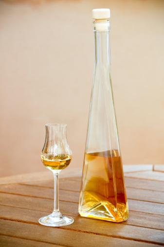 リキュール「ゴールドのリキュール、精神のボトルとグラス」:スマホ壁紙(15)