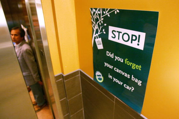 Reusable Bag「Whole Foods Bans Plastic Bags In All Of Its Stores」:写真・画像(19)[壁紙.com]