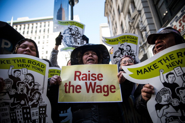 Fast Food「McDonald's Workers, Activists Protest McDonald's Labor Practices」:写真・画像(5)[壁紙.com]
