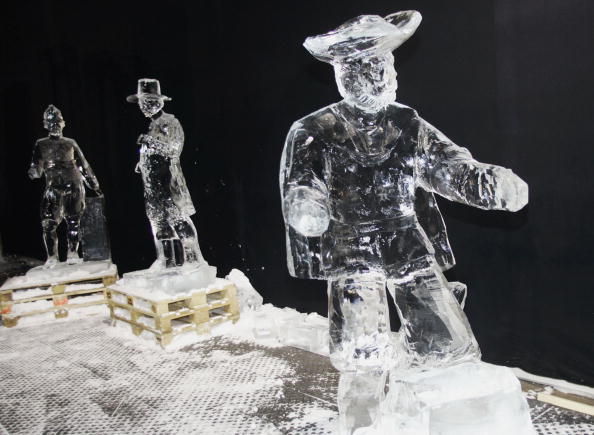 Ice Sculpture「Rembrandt van Rijn's 400th birth anniversary」:写真・画像(9)[壁紙.com]