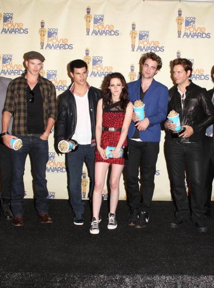 Twilight「18th Annual MTV Movie Awards - Press Room」:写真・画像(17)[壁紙.com]