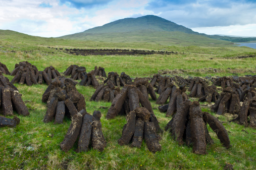 Peat「Peat Bog, Connemara, County Galway, Ireland」:スマホ壁紙(9)
