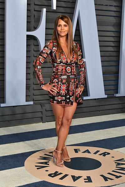 Halle Berry「2018 Vanity Fair Oscar Party Hosted By Radhika Jones - Arrivals」:写真・画像(11)[壁紙.com]