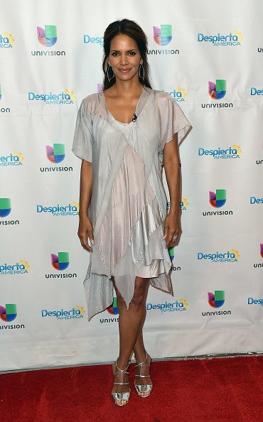 "Snatched - 2017 Film「Celebrities Visit Univision's ""Despierta America""」:写真・画像(2)[壁紙.com]"