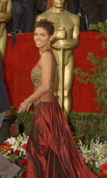 Elie Saab - Designer Label「74th Annual Academy Awards - Arrivals」:写真・画像(13)[壁紙.com]