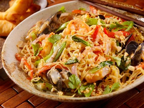 Rice Noodles「Thai, Seafood Noodle Stir fry with Peanut Sauce」:スマホ壁紙(5)