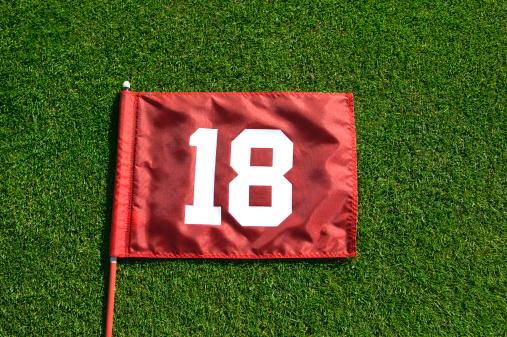 Sports Flag「Flag eighteen at golf course, close-up, overhead view」:スマホ壁紙(8)