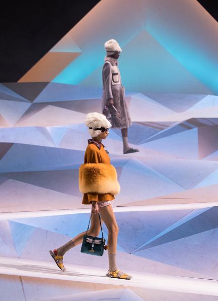 ロンドンファッションウィーク「Anya Hindmarch - Runway - LFW February 2017」:写真・画像(4)[壁紙.com]