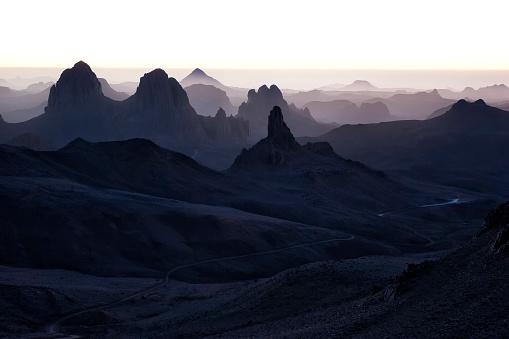 Fog「Algeria, Wilaya Tamanrasset, Hoggar Mountains, Assekrem in the mist」:スマホ壁紙(5)