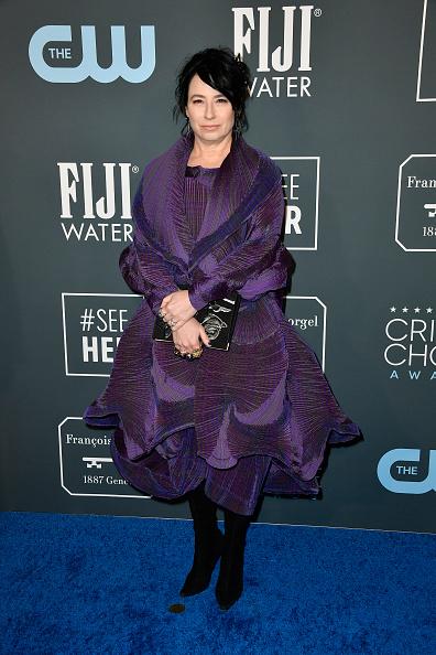 Multi Colored Purse「25th Annual Critics' Choice Awards - Arrivals」:写真・画像(18)[壁紙.com]