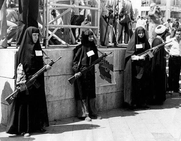 1970-1979「Armed Women」:写真・画像(0)[壁紙.com]
