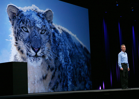 Conference Phone「Apple Launches Its Annual World Wide Developers Conference」:写真・画像(12)[壁紙.com]