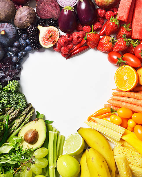 Spectrum of fruit & veg forming a heart shape:スマホ壁紙(壁紙.com)