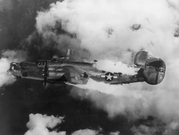 Explosive「Doomed B-24」:写真・画像(11)[壁紙.com]