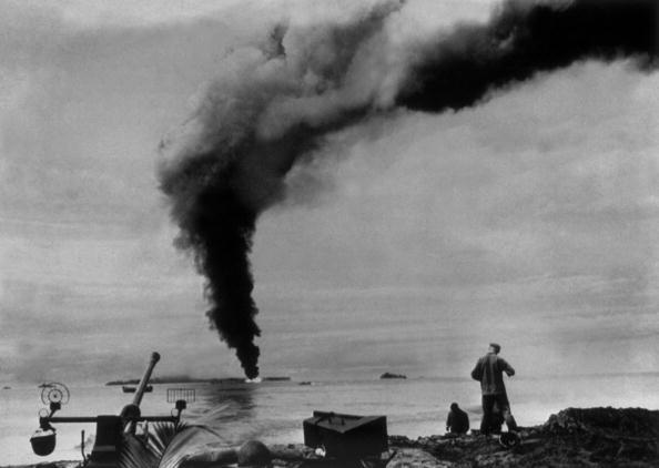 Pacific Islands「Burning Fuel Dump」:写真・画像(9)[壁紙.com]
