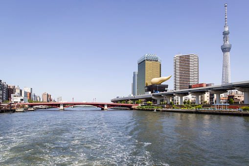 Japan「Azumabashi Bridge Crossing the Sumida River in Tokyo. On the Right is the Tokyo Skytree and Asahi Beer Hall.」:スマホ壁紙(12)