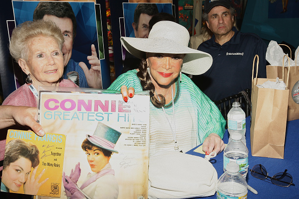 Connie Francis「Cousin Brucie Hosts His SiriusXM Show Cousin Brucie's Saturday Rock and Roll Party Live from the Silverball Pinball Museum in Delray Beach, Florida」:写真・画像(7)[壁紙.com]